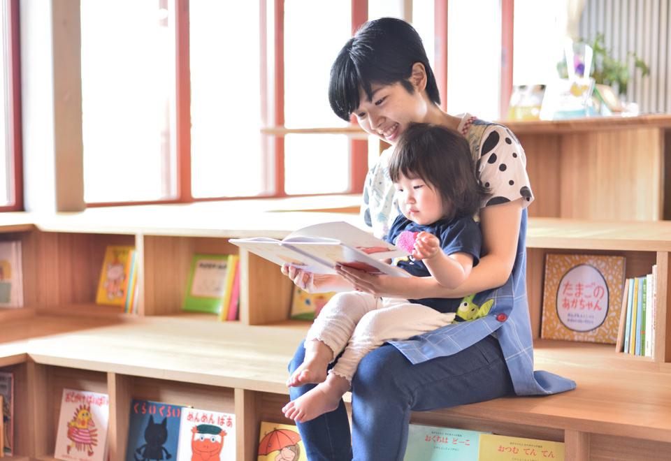 絵本読み語り教育で、心を豊かにする保育